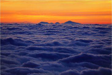 Раннее утро на вулкане Лаву