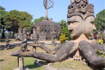 Будда-парк возле Вьентьяна