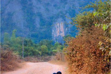 Дорога в окрестностях Ванвьенга