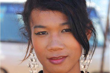Лаосский трансвестит во Вьентьяне