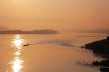 Река Меконг, граница Таиланда и Лаоса