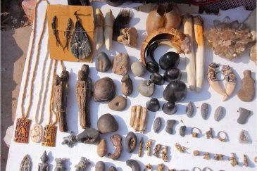 Рынок магических амулетов во Вьентьяне