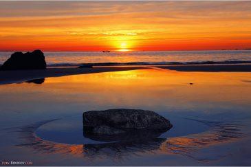 Пляж Нгапали Бич на закате