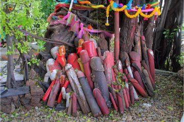 Храмик плодородия и деторождения в Бангкоке