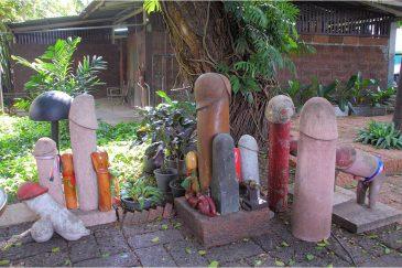 Храм плодородия в Бангкоке. Подарки и подношения женщин