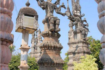 Парк странных скульптур в Нонг Кае