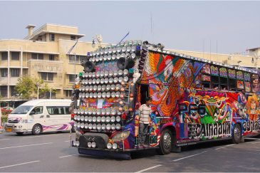 Тайский автобус