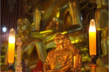 Культ личности короля. Фигурка в буддистском храме Бангкока