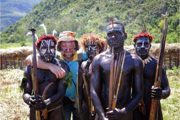 С друзьями-папуасами на фестивале папуасских культур в долине Балием