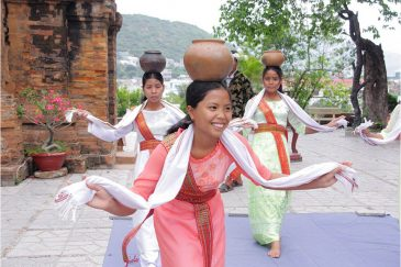 Чамы - вьетнамская народность, исповедующая индуизм