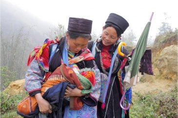 Черные хмонги в горах недалеко от границы с Китаем