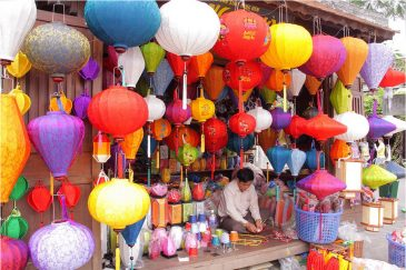 Китайские фонарики в магазинах Хойана
