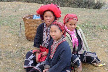 Семья красных зяо в горах северного Вьетнама