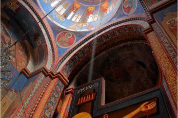 Луч света в тбилисской церкви Норашени