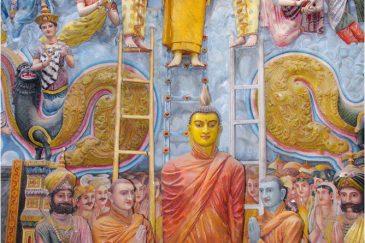 Скульптуры в храме Амбалангоды