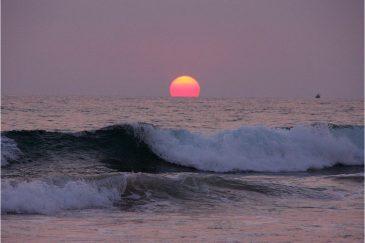 Закат над океаном. Пляж Хиккадува