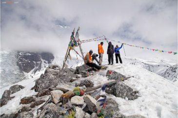 Вершина Кянжин Ри - самая высокая точка маршрута