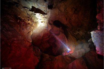 В огромных залах пещеры Сиддха Гуфа возле Бандипура