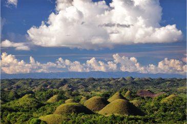 Шоколадные холмы на острове Бохол