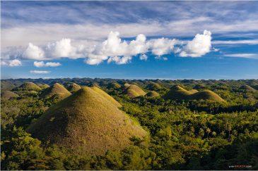 Загадочные Шоколадные холмы на острове Бохол