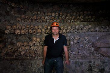 Старинные гробницы в горах острова Лусон
