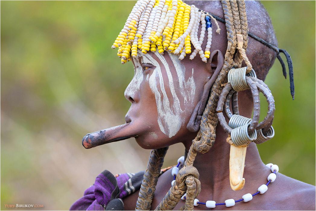 Девушка из племени мурси
